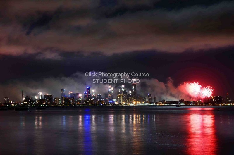 fireworks-over-melbourne-71e4827071725240533c9044db36a463627b28b3