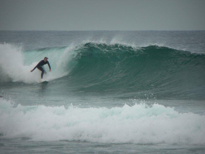 surfer-e942b20bbe2e1e86bb53296f55c593045eb06c2f